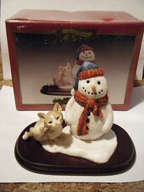 "Leonardo""SNOWMAN WITH CAT""winter scene collectable. Boxed"