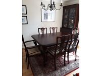 Victorian style extending table & 6 chairs (2 carvers)