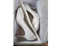 White wedding shoes size 7 - basically new