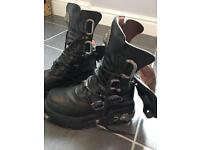 New Rock gothic black leather boots with metal detail size 40 (U.K. 7)