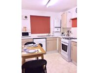KING SIZE DBL ROOM IN 3 BEDROOM FLAT*EASTWAY