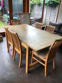 OAK Dining table with 6 oak chairs