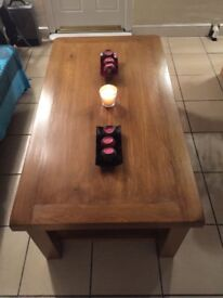 Solid Oak Coffee Table With Two Sliding Draws (Great Condition & No Veneer Finishing)
