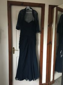 Size 10. ( actual 12 )Mother of the Bride Dress and Hat Catherine's of Patrick Navy