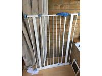 Pressure fix stair gate