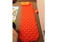Lightweight inflatable sleeping pad