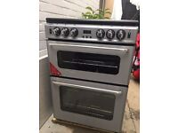 New World Gas Double Oven with Grill .in very good and clean condition, only 2 years old