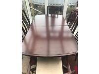 Dark wood effect dining table 6x chairs