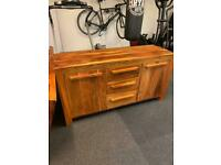 Amazing quality, very solid and heavy sideboard and mirror