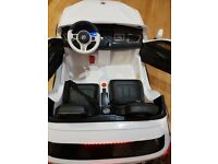 2 seater kids electric car comes with remote