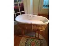 Moses basket and rocking stand £10.00