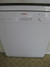 BOSCH FULL SIZE DISHWASHER IN WHITE