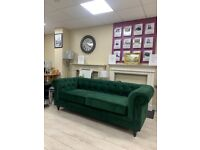 Brand new 3 seater chest field suite in emerald green...