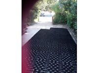 Plastic Grid for stabilising gravel or grass paths