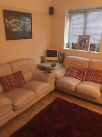 3 BEDROOM HOUSE TO RENT IN CROYDON