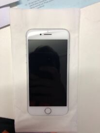 Unlocked IPHONE 7 32gb SILVER used, IN WARRENTY, very good condition