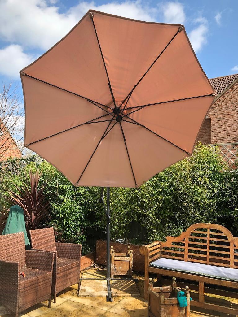 Garden Umbrella | in Milton Keynes, Buckinghamshire | Gumtree