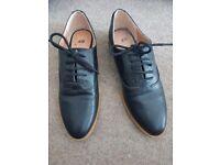 Ladies H & M Black Brogues £5 (size 4)