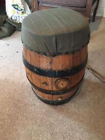 Oak barrel stool/foot stiol