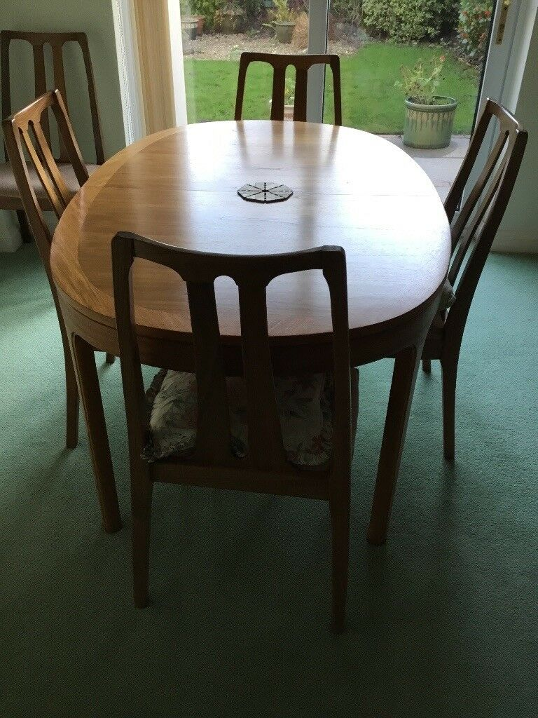 Table Nathan Extendable Must Sell TODAY 5 March