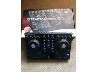 Native Instruments Traktor Kontrol S2 Mk1 DJ Controller Decks