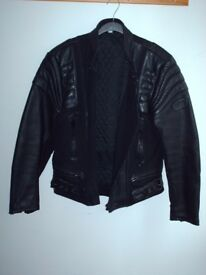 MOTORCYCLE STYLE LEATHER JACKET. BRAND NEW, NEVER WORN