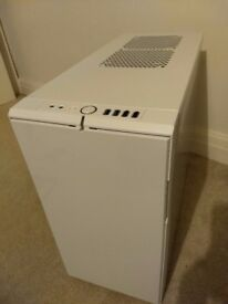 PC Case Fractal R4 Design White complete in great condition Overclock, Music Production Silent