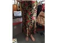 Beautiful skirt 10/12 Michele hope design