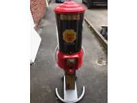 CHUPA CHUPS LOLLY MACHINE..EXCELLENT WORKING CONDITION..JUST NEEDS NEW LOCKS..TAKES 20p's