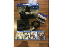 PlayStation 4 500gb Slim + 4 games, 2 controllers and headset