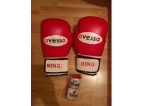 12oz avessa Boxing Gloves & Bandages in Red - Brand New
