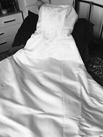 Size 12 white/Ivory wedding dress