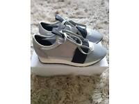 Women's ladies trainer's size 4-4.5 balenciaga