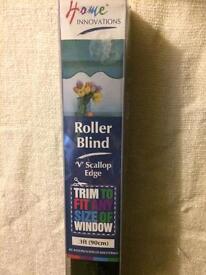 Roller Blind 'V' Scallop Edge x 2
