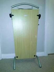 Electric trouser press