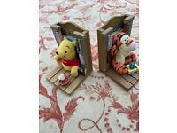 Winnie the Pooh & Tigger book ends