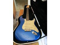 USA FENDER STRATOCASTER 50th ANNIVERSARY (2004 ) LIMITED EDITION MODEL AND FENDER HARD CASE