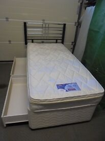 Silentnight Miracoil3 single divan bed as new with 2 silent night pillows.