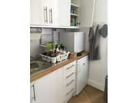 Dble Room in Newly Renovated Flat, Great Location