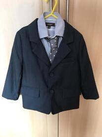 Young Boys smart grey suit age 3-5.