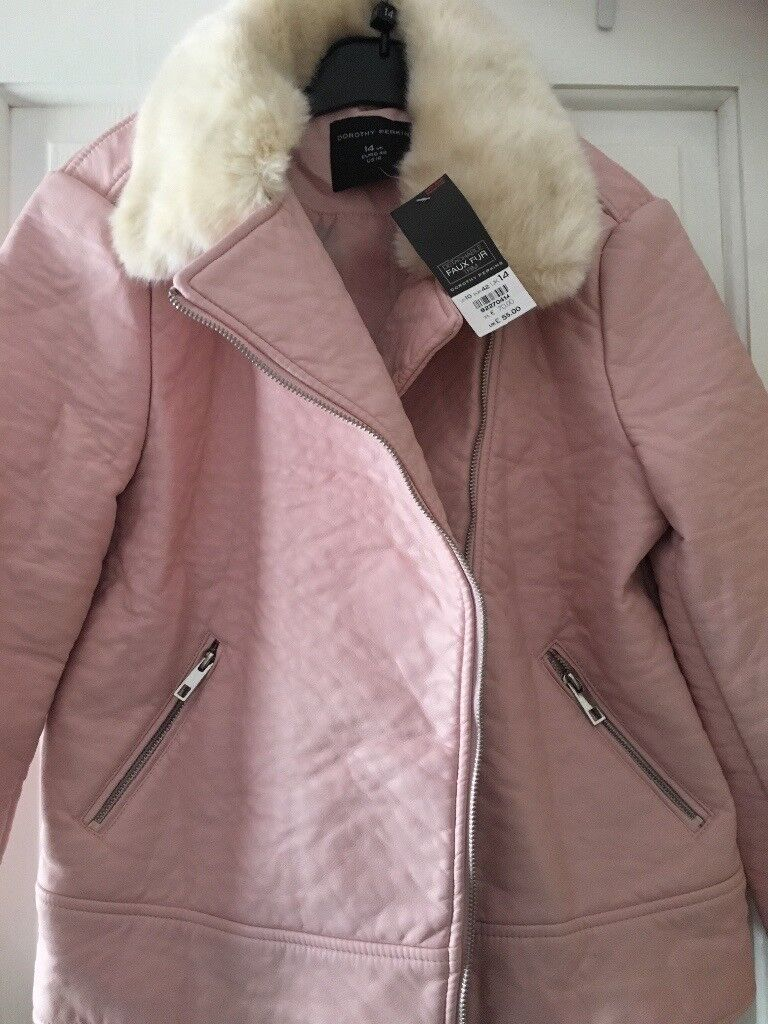 Size 14 Brand new Dorothy Perkins faux leather jacket with fur collar