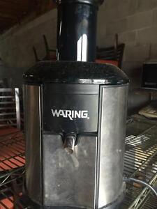 Waring Juice Extractor - Commercial Juicing / Juicer Machine - iFoodEquipment.ca