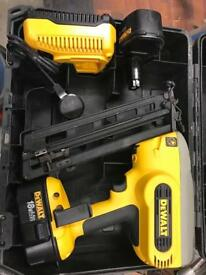 hitachi 2nd fix nail gun. dewalt second fix nailer nicd dc618 nail gun cordless 18v hitachi 2nd