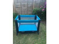 Travel cot - Graco brand - excellent condition