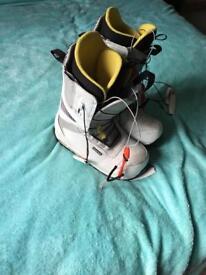 Burton ruler snow boarding boots size 8