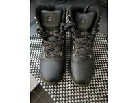 Boys walking/outdoor boots size 5