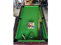 Pool Table / Electric airhockey table. Swivel function. 7' x 4'