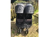 Double baby jogger with carrycot