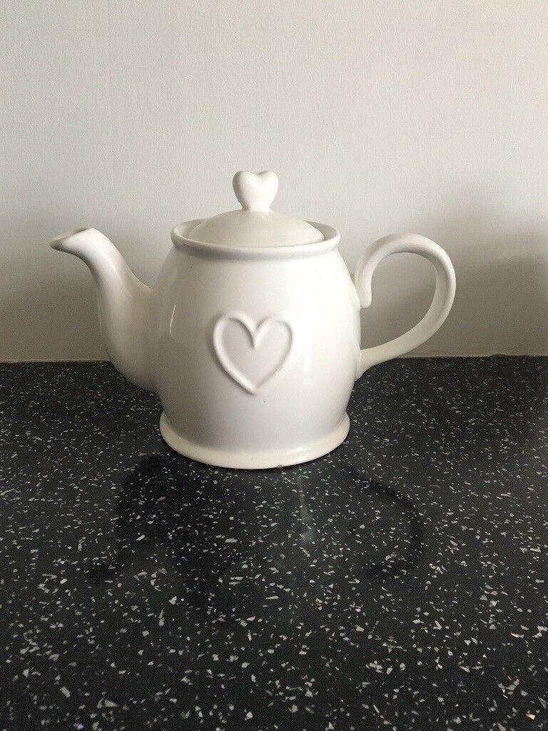 White ceramic heart teapot
