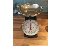 Classic black Kitchen scales - new